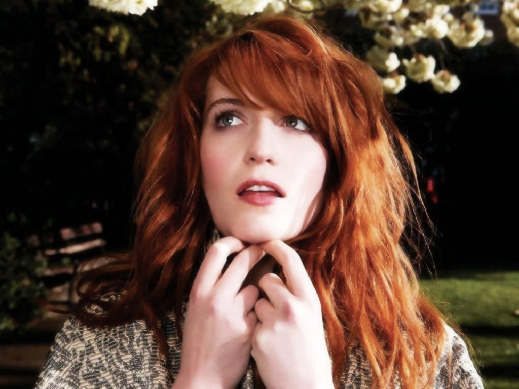 Even Rockers Do It: Florence Welch, OMG – The Old Money Book