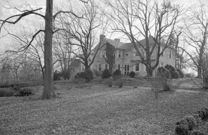 "07 Dec 1960, Middleburg, Virginia, USA --- Middleburg, Virginia: ""Glen Ora,"" leased by President-elect Kennedy as a weekend and summer White House, is on a 400-acre estate near here. --- Image by © Bettmann/CORBIS"